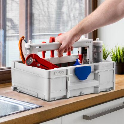 Systainer3 ToolBox M137 illustrert m/innhold på kjøkkenbenk